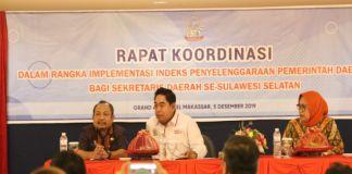 Asisten III Tautoto Tanaranggina samping kiri Sekda Sulsel Abdul Hayat Gani. (BERITA.NEWS/Andi Khaerul).