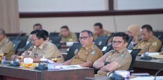 Wabup Bulukumba Tommy Satria Yulianto saat mengikuti rapat kordinasi penanggulangan kemiskinan. (BERITA.NEWS/IL).