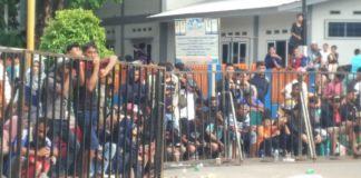 antusias penonton yang memadati sirkuit Lapangan Andi Makkasau Parepare. (BERITA.NEWS/Wahyu Adi Saputra).