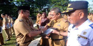 Sejumlah OPD Pemkab Gowa menerima penghargaan atas capaian SAKIP dan Pelayanan Publik. (Foto: BERITA.NEWS/Putri).