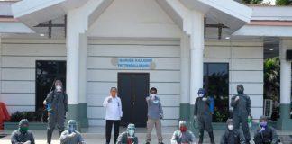 Sekda Gowa, Muhlis saat menerima tim disinfeksi FT UMI. (foto: berita.news/Putri)