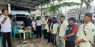 Bupati Luwu Basmin Mattayang (sebelah kiri). (BERITA.NEWS/Asri).