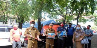 Sekda Gowa, Muhlis menerima bantuan dari PMI Sulsel. (Foto: berita.news/Putri)