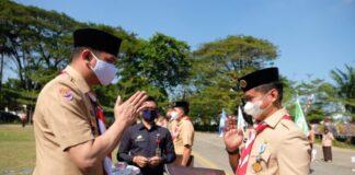 Bupati Gowa, Adnan Purichta Ichsan saat saat menjadi Inspektur Upacara pada Peringatan Hari Ulang Tahun HUT Gerakan Pramuka Ke-59 di halaman Kantor Bupati Gowa. (Foto: ist).