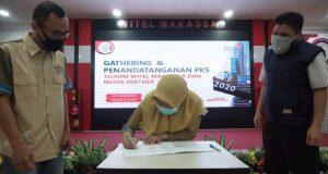 Penandatangan perjanjian kerjasama antara PT Telekomunikasi Indonesia Tbk dengan Radio Rewako FM Kabupaten Gowa tentang program kerjasama promosi. (Foto: berita.news/ist).