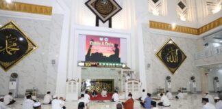 Dzikir dan doa bersama untuk mensukseskan Pilkada di Masjid Agung Syekh Yusuf. (FOTO: berita.news/Putri).