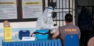 Puskesmas Pallangga mulai melakukan simulasi pelaksanaan vaksin di Halaman Puskesmas Pallangga. (Foto: berita.news/Putri).