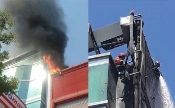 Kebakaran di Gedung Perkantoran Jl Pengayoman Makassar. (Instagram/infokebakaranmksr)