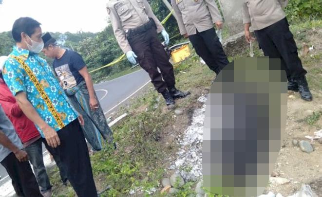 Penemuan mayat yang hangus terbakar di Ladang Desa Padaelo, Mallawa Maros, Jumat (1162021)