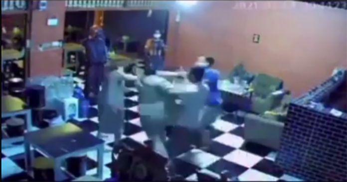 Oknum Satpol PP Pukul Pemilik Cafe Saat Razia PPKM di Gowa